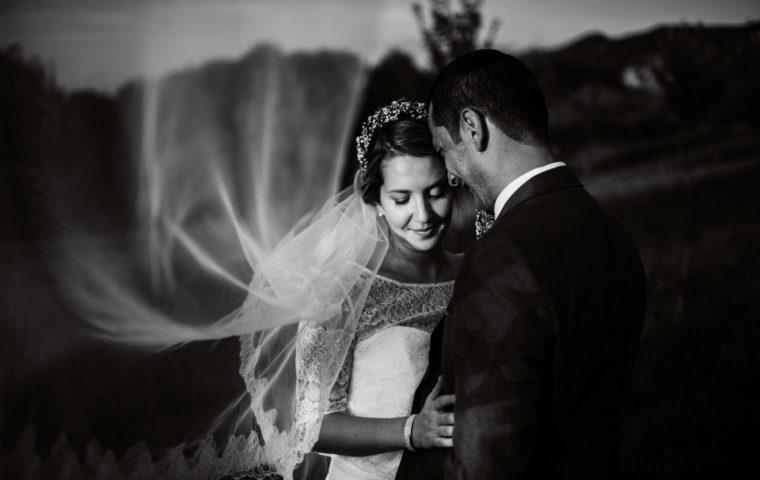 Quelle place donner à la séance couple le jour de votre mariage ?